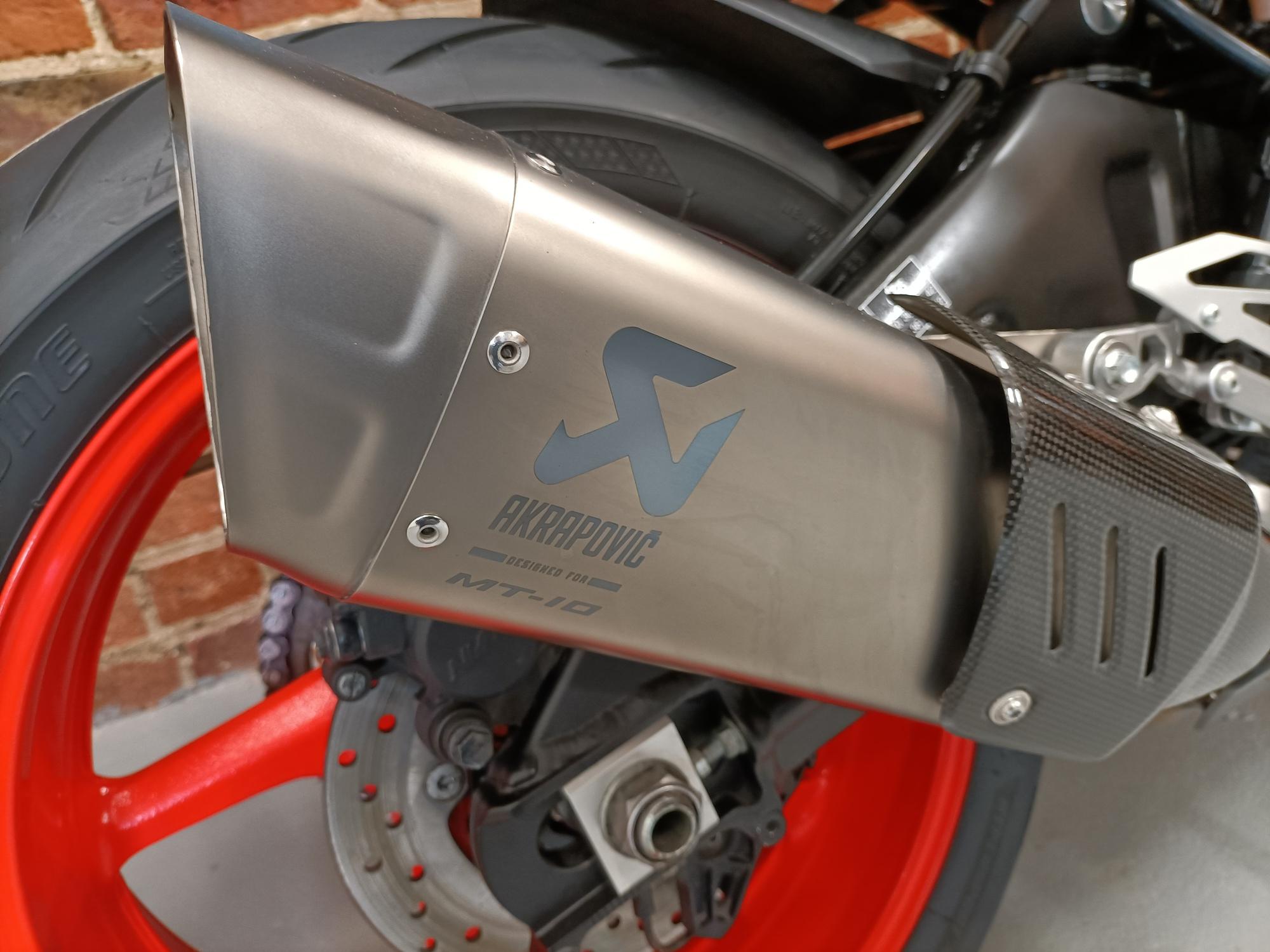 2019 YAMAHA MT-10 MTN 1000 AKRAPOVIC EXHAUST COMFORT SEAT