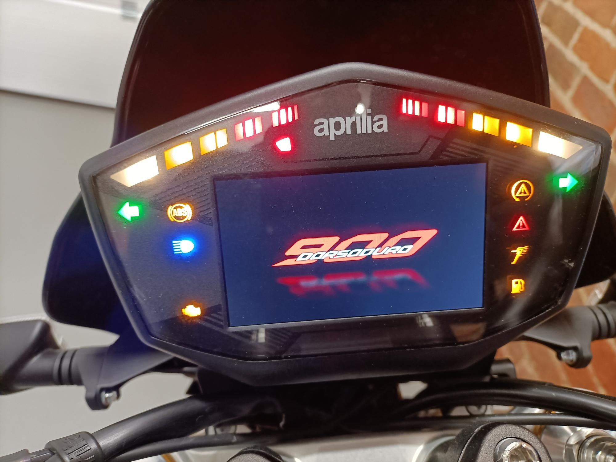 "2020/70 APRILIA DORSODURO 900 28 MILES ONLY ""OUT OF THE BOX CONDITION"""